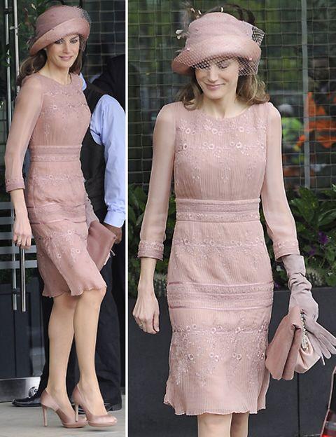 Clothing, Hat, Sleeve, Shoulder, Joint, Dress, Formal wear, Waist, Fashion accessory, Headgear,
