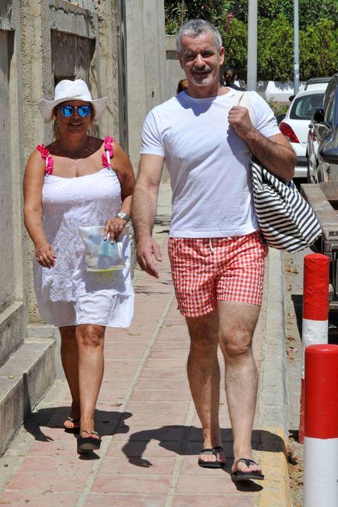 Clothing, Leg, Human leg, Summer, Shorts, Bermuda shorts, Calf, Active shorts, Foot, Sandal,