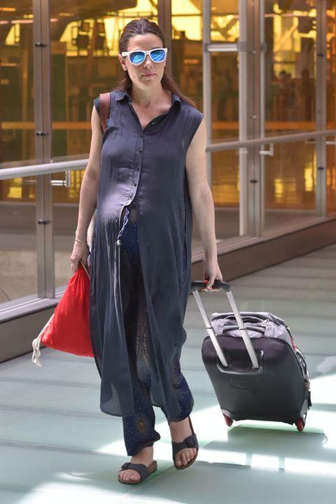 Shoulder, Dress, Bag, Style, Goggles, Fashion accessory, Street fashion, Sunglasses, Fashion, Luggage and bags,