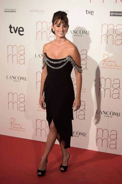 Dress, Shoulder, Shoe, Flooring, Joint, Style, Premiere, Waist, One-piece garment, Cocktail dress,