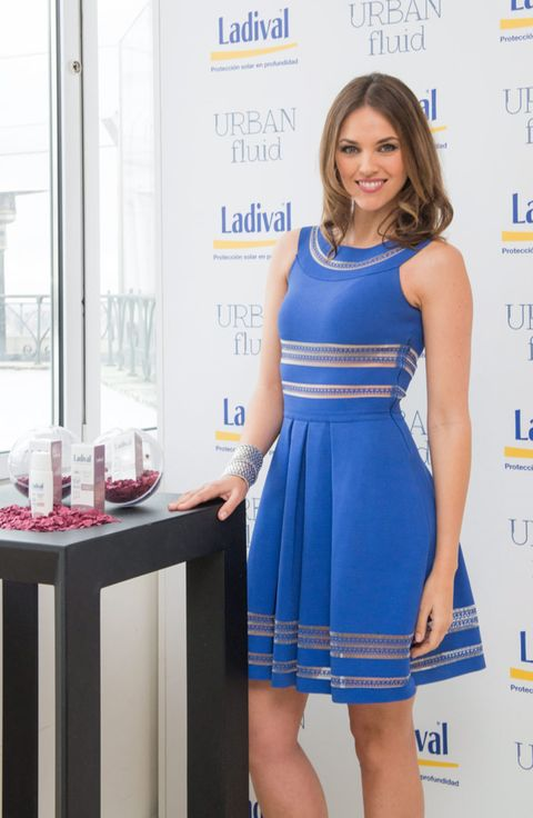 Dress, Sleeve, Shoulder, Joint, One-piece garment, Style, Formal wear, Electric blue, Cocktail dress, Day dress,