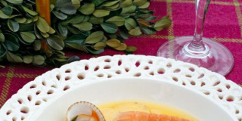 Food, Ingredient, Dishware, Serveware, Seafood, Tableware, Dish, Seafood boil, Arthropod, Drinkware,