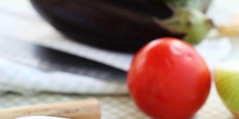 Food, Produce, Ingredient, Vegetable, Tableware, Vegan nutrition, Whole food, Natural foods, Dish, Tomato,