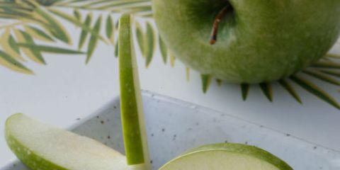 Green, Food, Produce, Ingredient, Fruit, Tableware, Natural foods, Citrus, Flowering plant, Garnish,