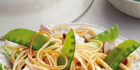 Food, Cuisine, Dishware, Ingredient, Spaghetti, Tableware, Noodle, Kitchen utensil, Pasta, Produce,