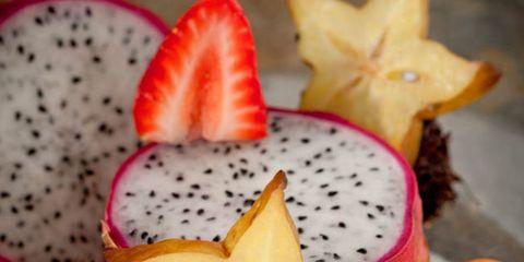 Food, Sweetness, Produce, Fruit, Natural foods, Ingredient, Serveware, Tableware, Strawberry, Strawberries,
