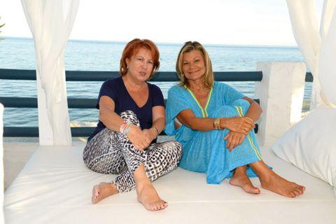 Comfort, Sitting, Leisure, Barefoot, Ocean, Summer, Aqua, Toe, Vacation, Teal,