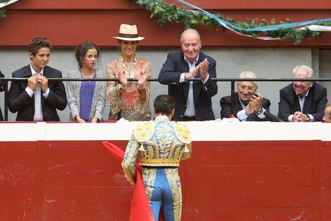 Face, Hat, Sun hat, Fedora, Tradition, Costume hat, Cowboy hat,