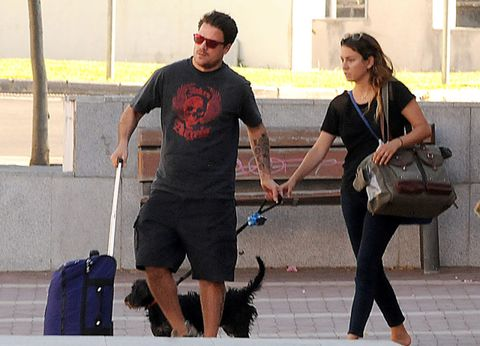 Bag, Luggage and bags, Shorts, Active shorts, Baggage, Bermuda shorts, Beard, Shoulder bag,