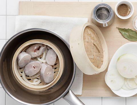 Dishware, Serveware, Food, Tableware, Ingredient, Plate, Porcelain, Kitchen utensil, Bowl, Meal,