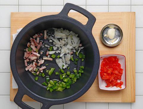 Food, Ingredient, Cookware and bakeware, Cuisine, Dishware, Produce, Vegetable, Frying pan, Recipe, Meal,