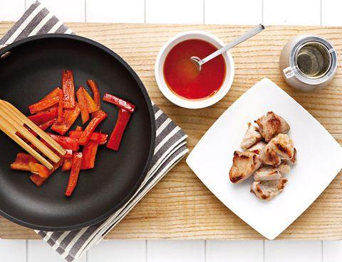 Food, Dishware, Cuisine, Tableware, Serveware, Dish, Meal, Root vegetable, Plate, Ingredient,