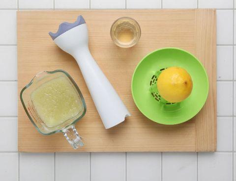 Serveware, Dishware, Food, Tableware, Kitchen utensil, Cutlery, Plate, Ingredient, Fruit, Knife,