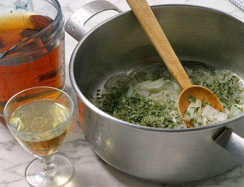 Fluid, Liquid, Drink, Serveware, Alcoholic beverage, Ingredient, Drinkware, Alcohol, Barware, Glass,