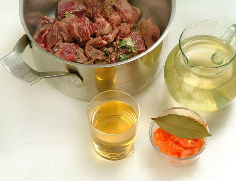 Serveware, Fluid, Liquid, Drink, Ingredient, Food, Tableware, Alcoholic beverage, Dishware, Drinkware,