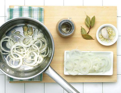 Dishware, Food, Ingredient, Cuisine, Kitchen utensil, Serveware, Dish, Recipe, Spoon, Cookware and bakeware,