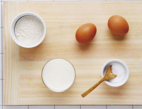 Wood, Dishware, Kitchen utensil, Serveware, Ingredient, Hardwood, Spoon, Wooden spoon, Chemical compound, Peach,