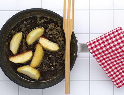 Food, Ingredient, Produce, Frying pan, Pattern, Kitchen utensil, Cookware and bakeware, Vegetable, Cooking, Staple food,