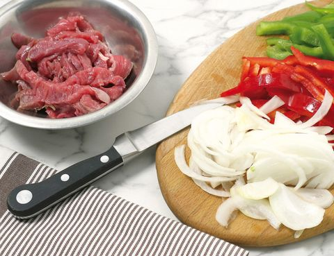 Food, White, Ingredient, Cuisine, Leaf vegetable, Bowl, Vegetable, Beige, Produce, Dish,