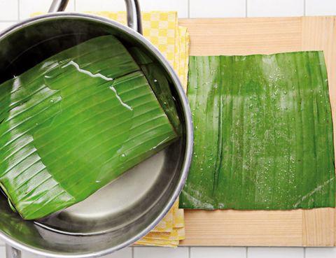 Green, Wood, Leaf, Hardwood, Wood stain, Paint, Plastic, Vegetarian food, Plywood, Banana leaf,