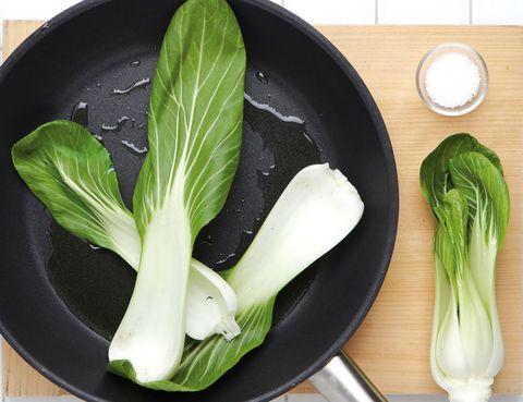 Food, Ingredient, Vegetable, Produce, Whole food, Vegan nutrition, Natural foods, Leaf vegetable, Leek, Dishware,