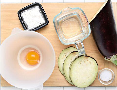 Egg yolk, Serveware, Dishware, Egg white, Ingredient, Kitchen utensil, Mixing bowl, Breakfast, Egg, Bowl,