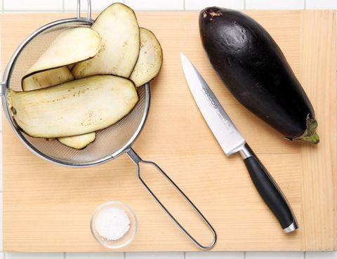 Food, Produce, Natural foods, Fruit, Kitchen utensil, Vegetable, Dishware, Cutlery, Hardwood, Ingredient,