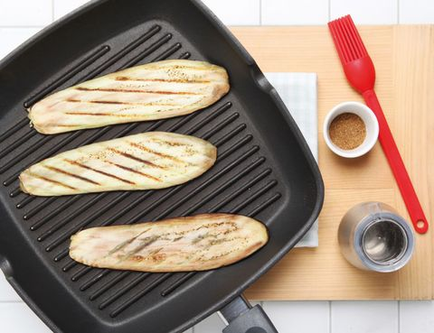Food, Wood, Ingredient, Cuisine, Kitchen utensil, Tableware, Cooking, Baked goods, Plate, Snack,