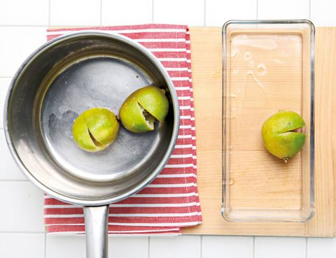 Yellow, Produce, Food, Fruit, Tableware, Granny smith, Dishware, Natural foods, Kitchen utensil, Whole food,