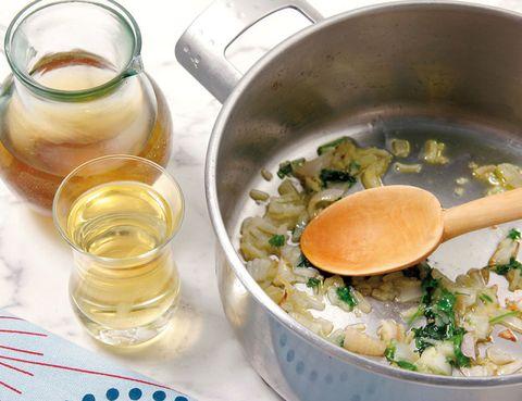 Fluid, Liquid, Serveware, Ingredient, Food, Drink, Cookware and bakeware, Recipe, Oil, Drinkware,