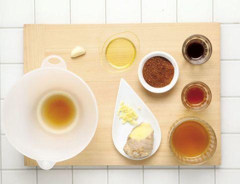 Yellow, Serveware, Food, Ingredient, Cuisine, Dishware, Breakfast, Condiment, Meal, Spice mix,