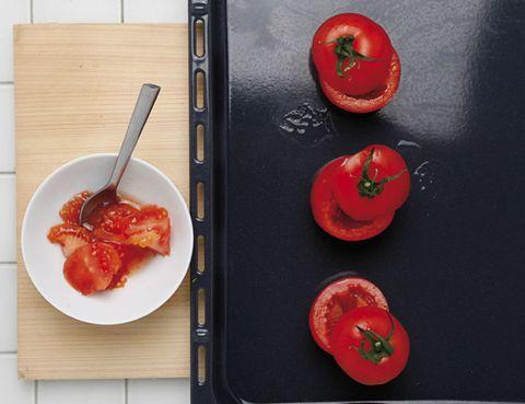 Food, Ingredient, Tomato, Produce, Tableware, Fruit, Vegetable, Kitchen utensil, Carmine, Dish,
