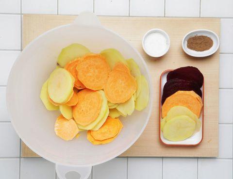 Food, Dishware, Plate, Ingredient, Cuisine, Serveware, Dish, Tableware, Finger food, Breakfast,