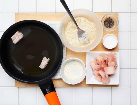 Ingredient, Food, Recipe, Cuisine, Cookware and bakeware, Frying pan, Kitchen utensil, Bowl, Peach, Dish,