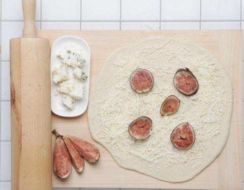 Wood, Dishware, Food, Ingredient, Meat, Plate, Root vegetable, Kitchen utensil, Animal product, Ceramic,