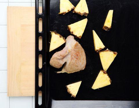 Cuisine, Food, Ingredient, Recipe, Tableware, Dish, Cheese, Fast food, Plate, Comfort food,