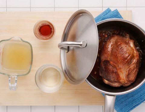Food, Turkey meat, Roast goose, Cooking, Ingredient, Recipe, Hendl, Drunken chicken, Dish, Roasting,
