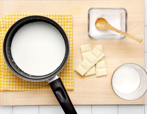 Ingredient, Kitchen utensil, Dishware, Flour, Serveware, Chemical compound, Circle, Spoon, Tool, Cutlery,