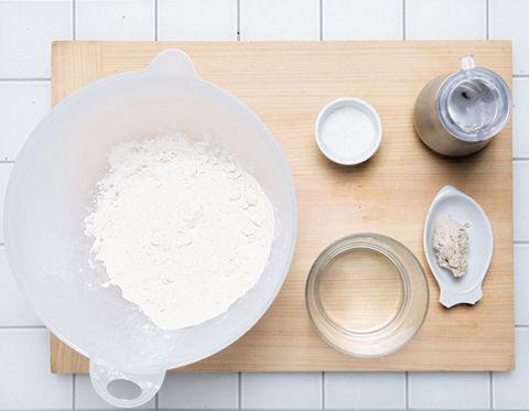 Dishware, Serveware, Kitchen utensil, Porcelain, Plate, Ceramic, Circle, Home accessories, Platter, Chemical compound,