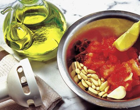 Fluid, Food, Liquid, Ingredient, Serveware, Produce, Oil, Tableware, Dish, Bowl,