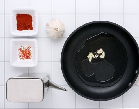 Cookware and bakeware, Frying pan, Carmine, Ingredient, Cooking, Kitchen appliance accessory, Coquelicot, Cooktop, Stove, Sauté pan,