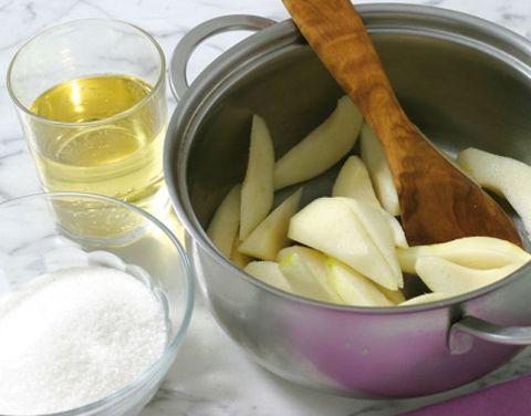 Food, Ingredient, Serveware, Produce, Tableware, Drink, Liquid, Dishware, Flour, Oil,