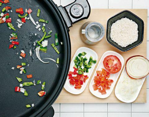 Dishware, Serveware, Carmine, Ingredient, Meal, Dish, Porcelain, Platter, Fruit, Coquelicot,