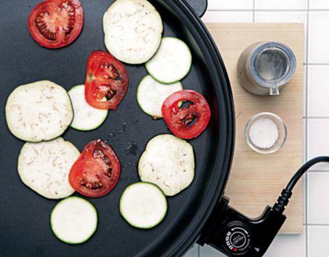 Food, Cuisine, Dish, Vegetable, Meal, Frying pan, Bowl, Plate, Recipe, Dishware,