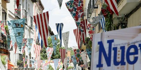 Public space, Flag, Marketplace, Town, City, Retail, Tourism, Market, Trade, Bazaar,
