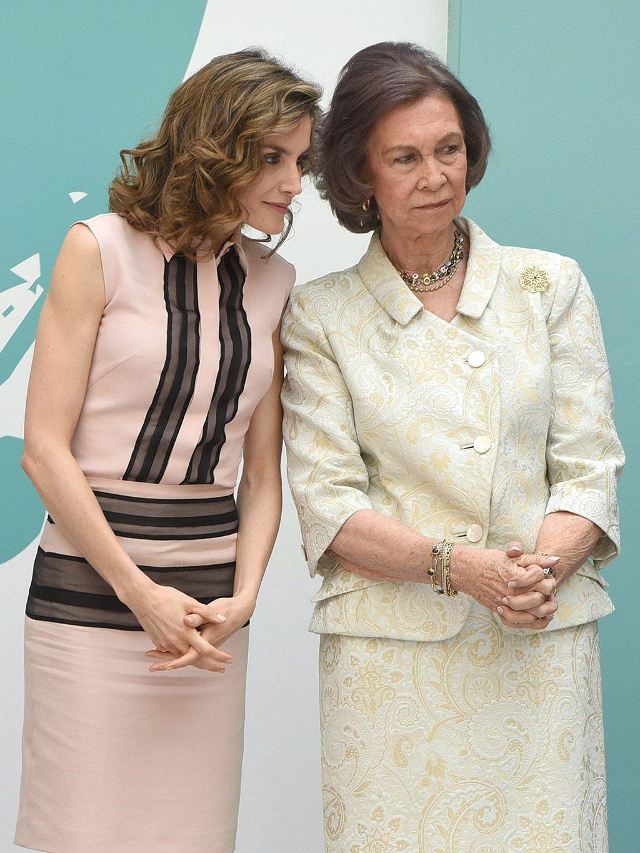 Se cumple un año del 'encontronazo' real: ¿Cómo actuarán hoy doña Sofía y la reina Letizia?