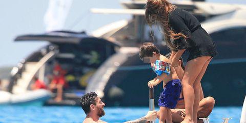 Messi con su hijo Thiago y su pareja, Antonella Roccuzzo