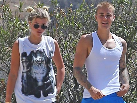 Glasses, Sleeveless shirt, White, Sunglasses, People in nature, Cool, Active tank, Undershirt, Chest, Active pants,