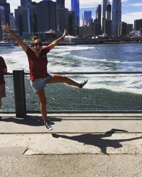 Leg, Daytime, Human leg, Tower block, Summer, Metropolis, Metropolitan area, Tourism, Shorts, Urban area,