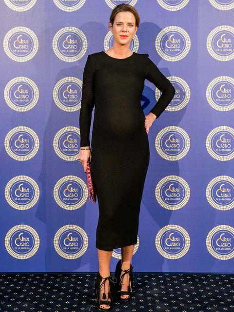 Dress, Shoulder, Joint, Style, Pattern, Electric blue, Waist, Fashion, One-piece garment, Neck,
